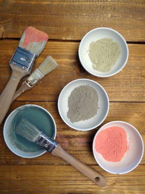Milk und Chalk Paint haben ein unterschiedliches Preisniveau: In der regel ist Milk Paint etwas preisgünstiger als Chalk Paint