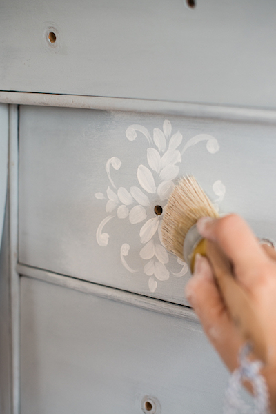 Wenn Du am Workshoptag noch ein wenig Zeit übrig haben solltest, zeigen wir Dir Deine DIY Milk Paint Wunschtechniken