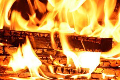 Zu den vier Elementen, die die Sternzeichen maßgeblich beeinflussen, gehört auch das Element Feuer