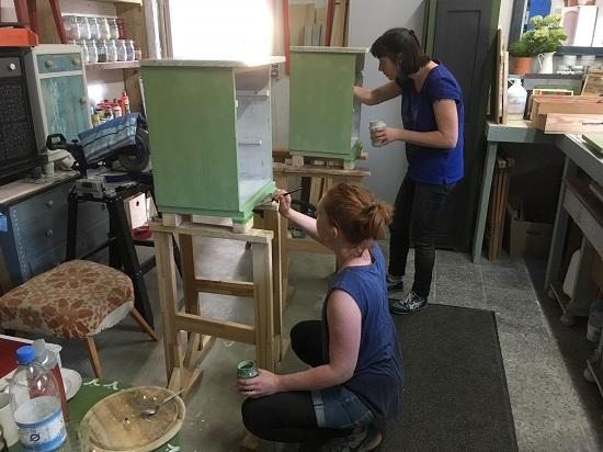 Möbelgestaltung mit Milk Paint beim DIY Workshopday