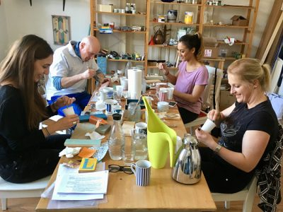 If you like bring your friends along to the DIY Workshop - the maximum of participants is 5